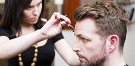 Мужские и женские стрижки со скидкой до 100% в салоне красоты De Pari Sharm фото