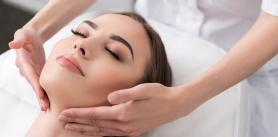 7сеансов программы омоложения кожи сиспользованием массажных техник вкосметическом центре «ОНмакабим Клиник» фото