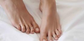 Подологический педикюр соскидкой встудии красоты «Пили Люби» фото