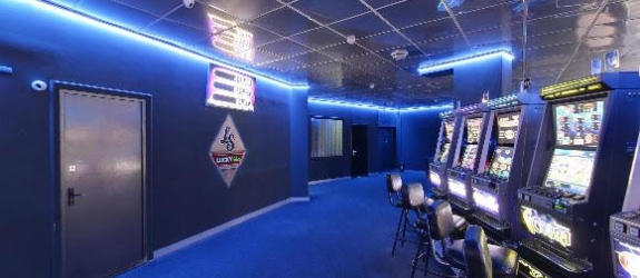 Игровой клуб Lucky slots фото