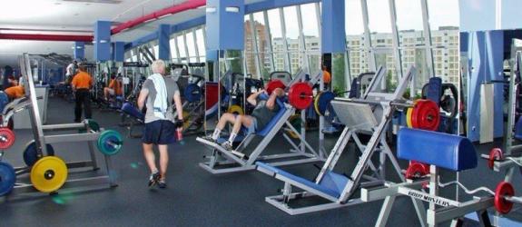 Фитнес-тренер Эдуард Шлойда фото