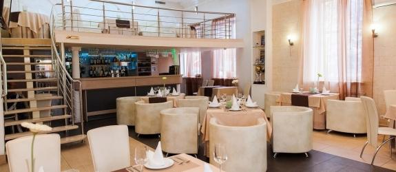 Ресторан, гостиничный комплекс У фонтана фото