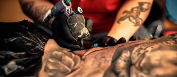 Мастер татуировки Дима Ветер фото