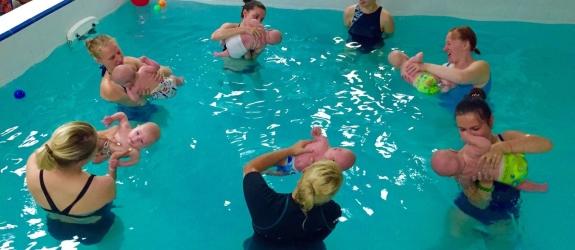 Школа раннего плавания BabySwim фото